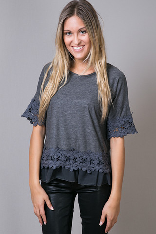 O2 Collection Cosmo Flower Top Charcoal
