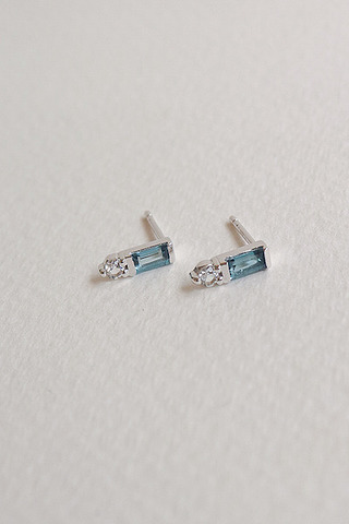Curious Creatures Juliette Ear Stud London Blue Topaz