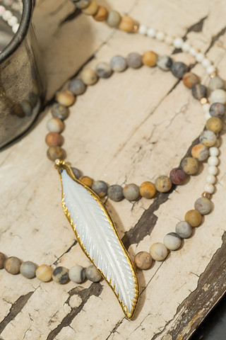 Love Poppy Jewels Natural Feather Necklace