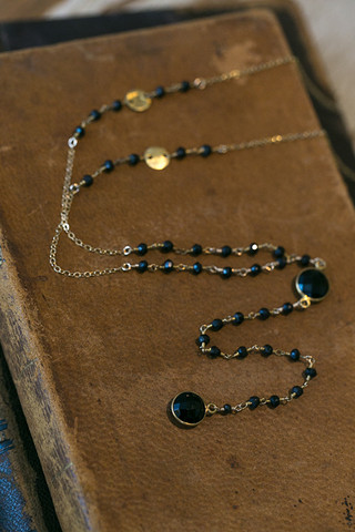 London Manori Onyx Rosary Lariat