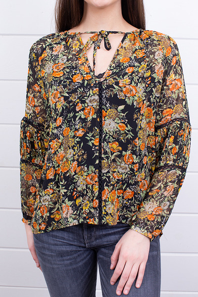 Knot Sisters Elaine Floral Top 4
