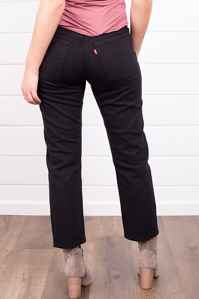 Levis Wedgie Straight Black Heart 3
