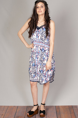 Mystree Curved Hem Shift Dress